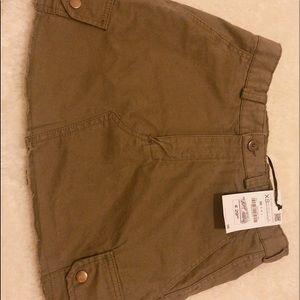 Khaki skirt with pocket